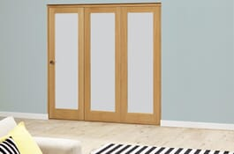 PREFINISHED Glazed Oak Roomfold Deluxe - Frosted glass Image