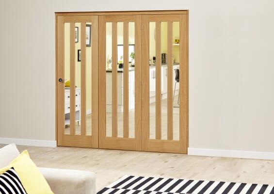 Aston Oak - 3 door Roomfold Deluxe (3 x 686mm doors)
