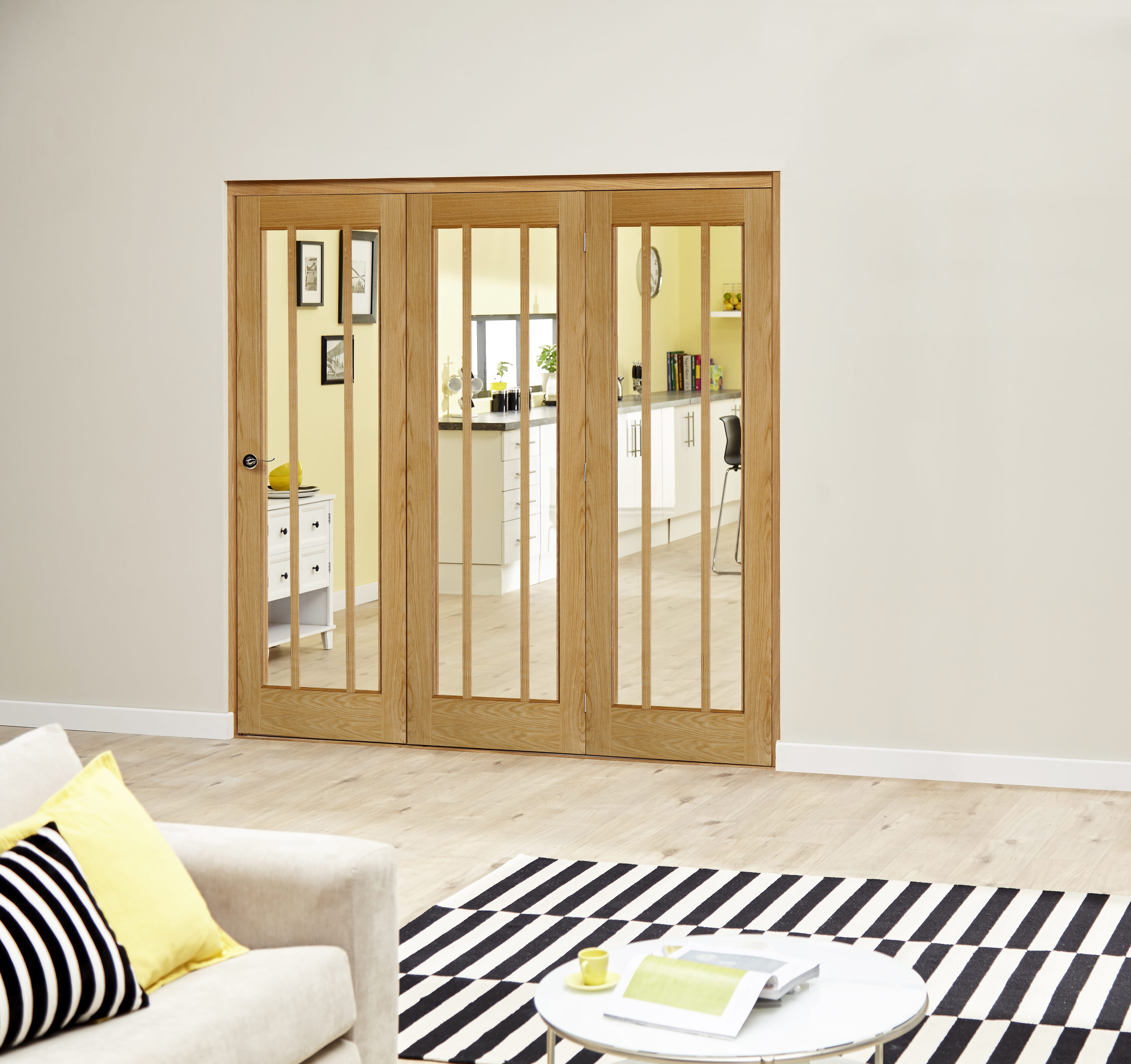 Lincoln Oak Roomfold Deluxe - Clear Glass Image