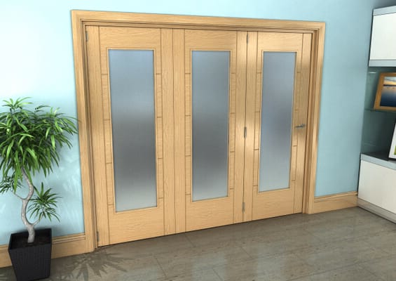 Iseo Oak Pattern 10 Frosted 3 Door Roomfold Grande (3 + 0 x 762mm Doors)