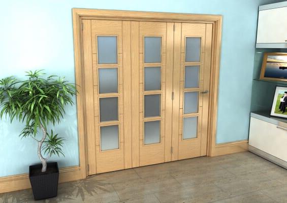 Iseo Oak 4 Light Frosted 3 Door Roomfold Grande (3 + 0 x 610mm Doors)