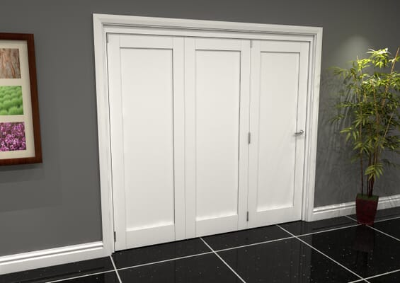 White Shaker 1 Panel 3 Door Roomfold Grande (3 + 0 x 686mm Doors)