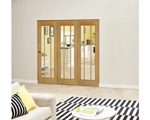 Prefinished Worcester Oak Roomfold Deluxe - Clear Glass Internal Bifold Doors