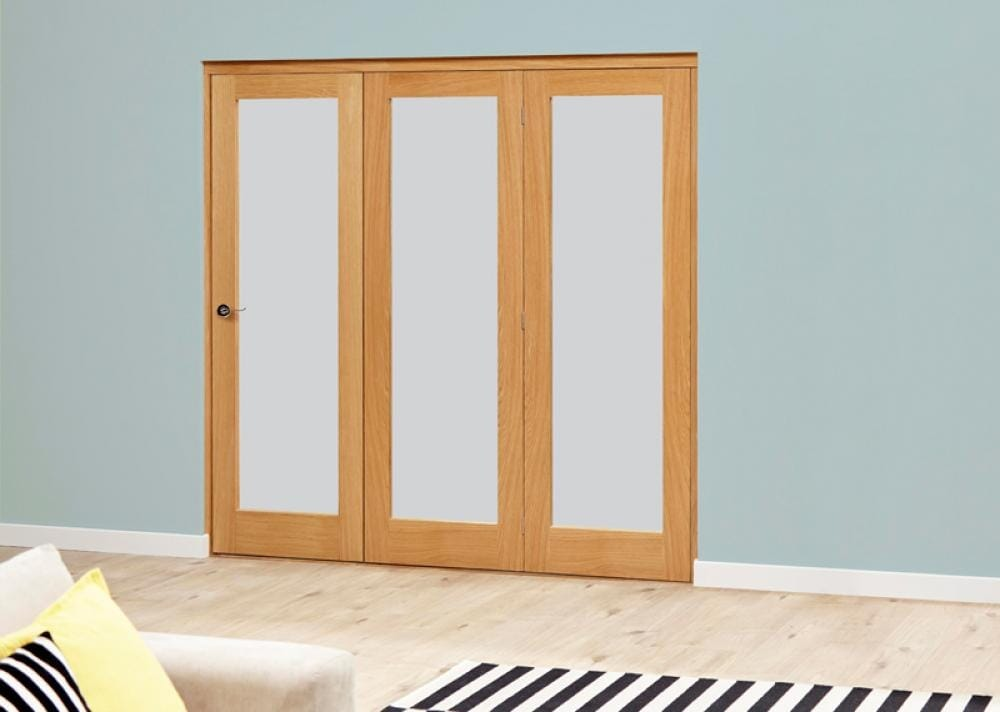 Oak Roomfold Deluxe - Frosted Glass Image