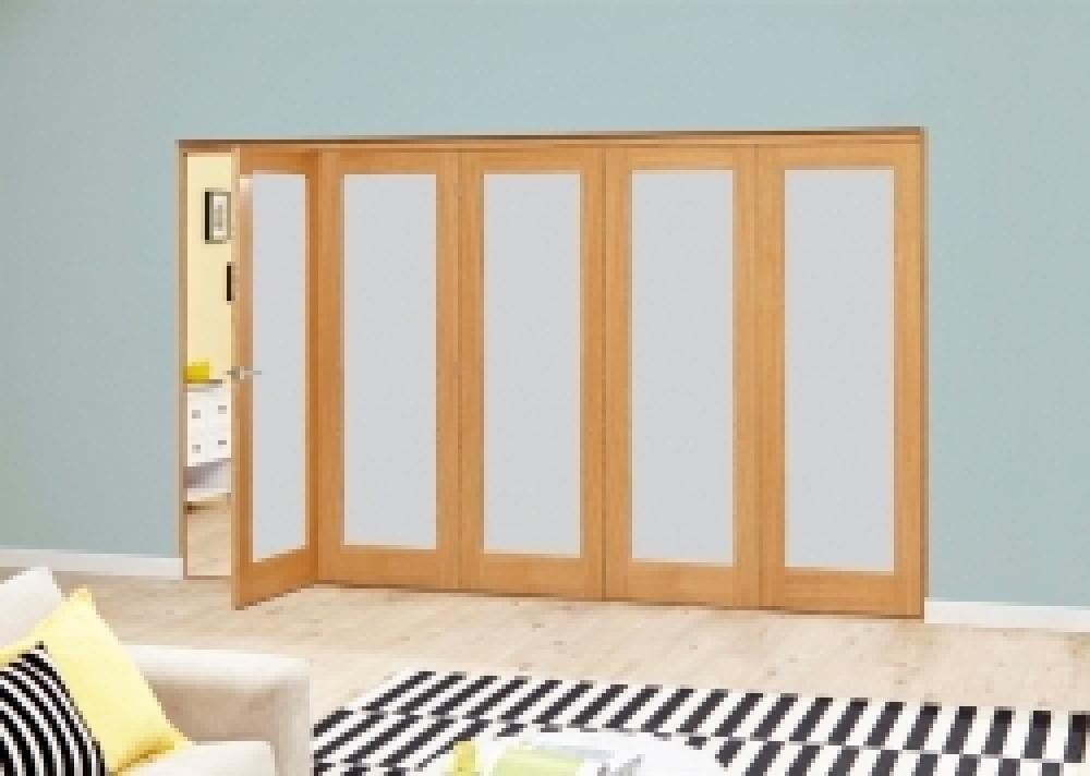 Prefinished Oak Roomfold Deluxe - Frosted Glass Image