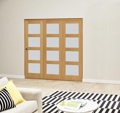 Oak 4L Frosted Roomfold Deluxe (3 x 686mm doors)