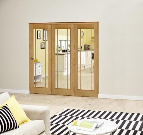 Worcester Oak Prefinished Roomfold Deluxe (3 x 686mm doors)