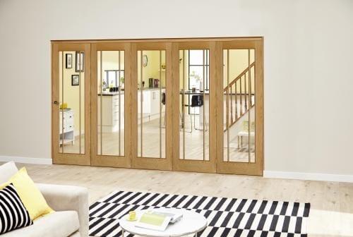 Worcester Oak Prefinished Roomfold Deluxe (5 x 686mm doors)